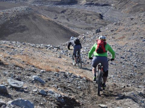 https://www.baobabtrails.com/wp-content/uploads/2020/06/23.-pěší-trail-využíváme-k-návratu-na-úpatí-hory.jpg